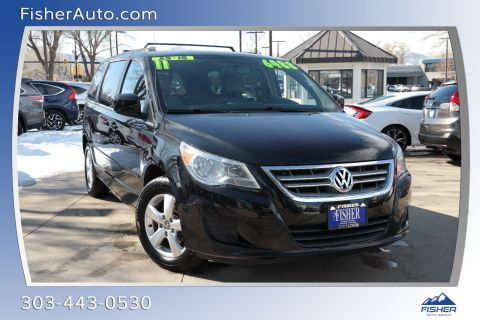 Pre-Owned 2011 Volkswagen Routan 4dr Wgn SE